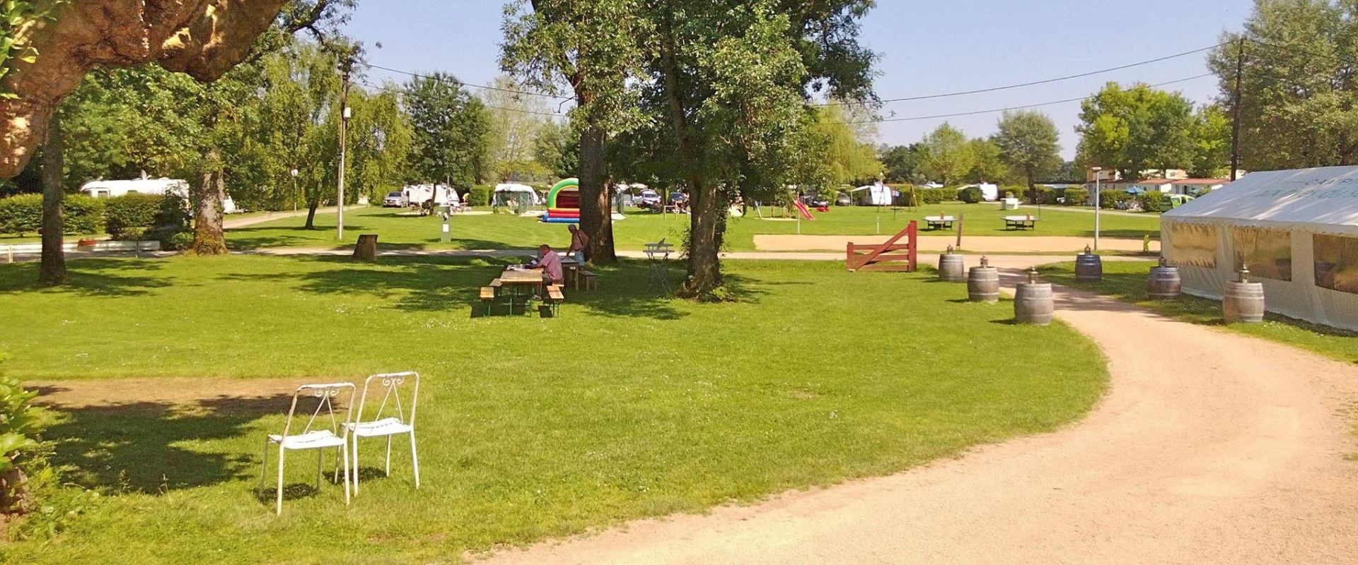 Aux Rives du Soleil campsite in Bourgogne and the Ain in France
